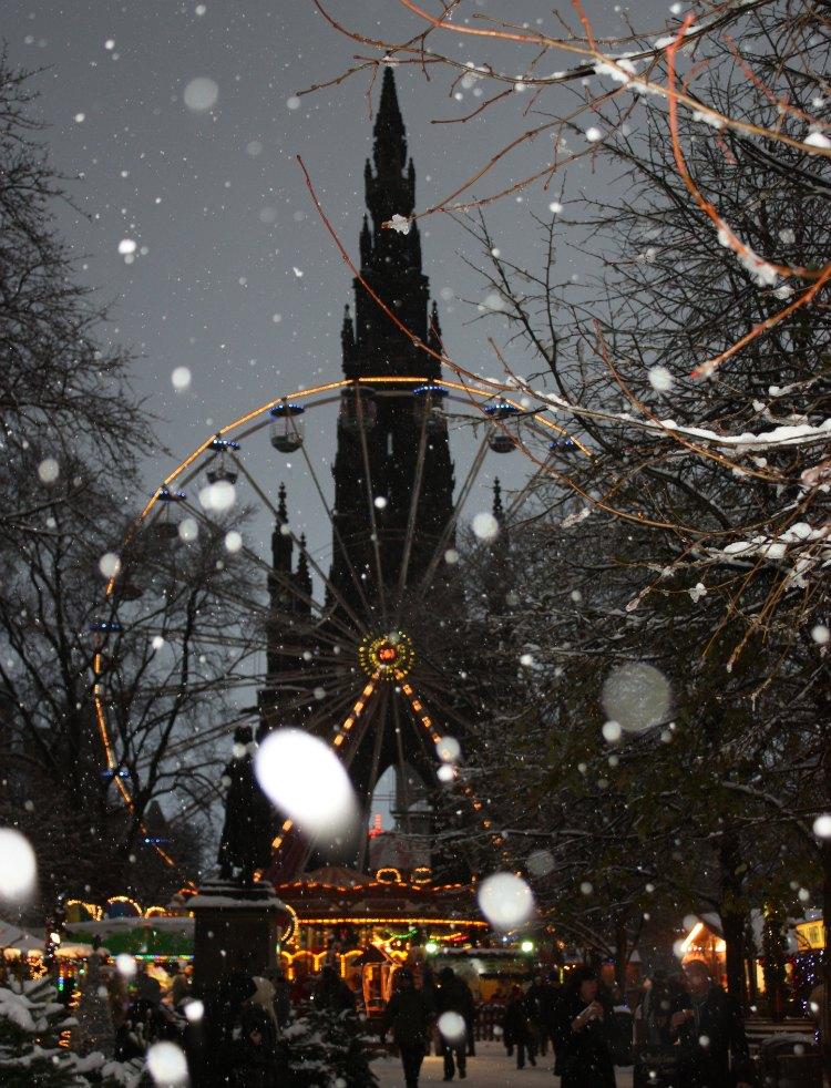 Scott's Monument - Edinburgh